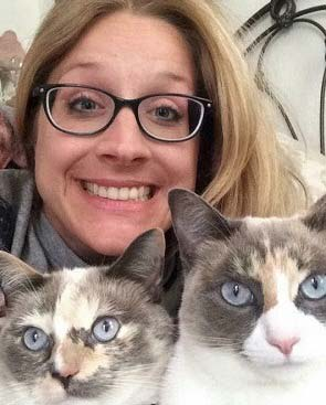 Tara wilkinson with her two cats